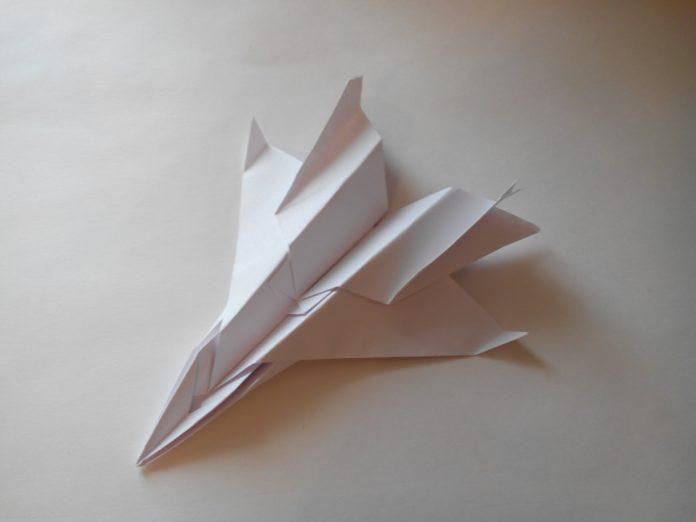 Оригами для детей «Пассажирский самолет»