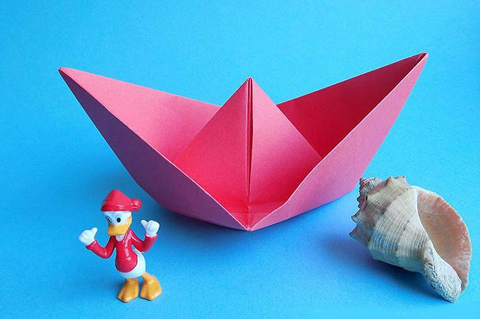 Кораблик - оригами из бумаги