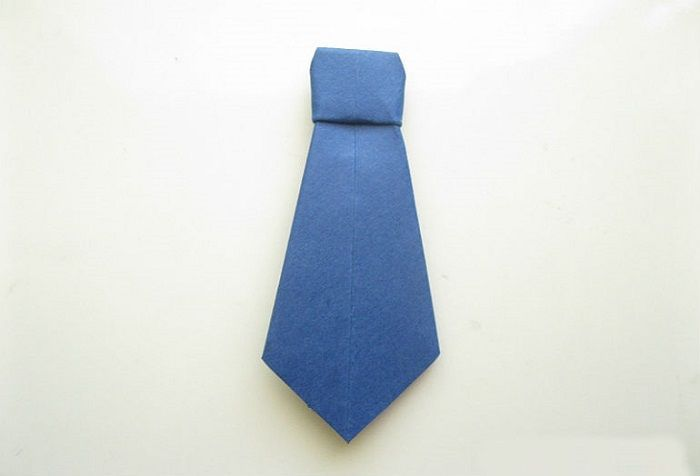 Синий галстук-оригами