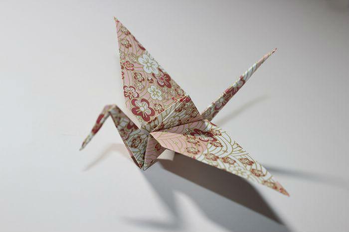 Простой журавлик оригами