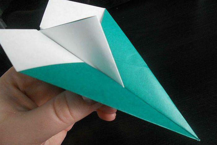 Самолетик оригами из бумаги