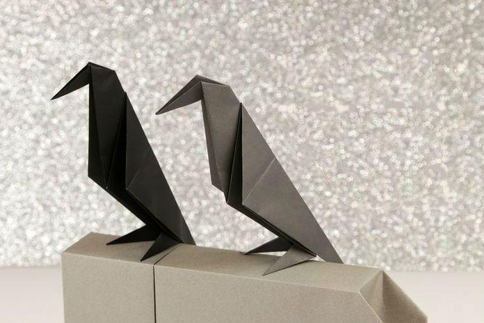 Готовая модель ворона из бумаги