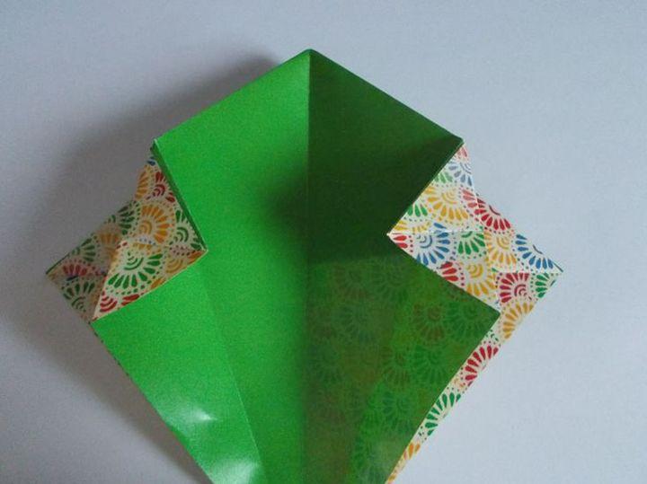 Поэтапная сборка оригами-корзинки трапециевидной формы