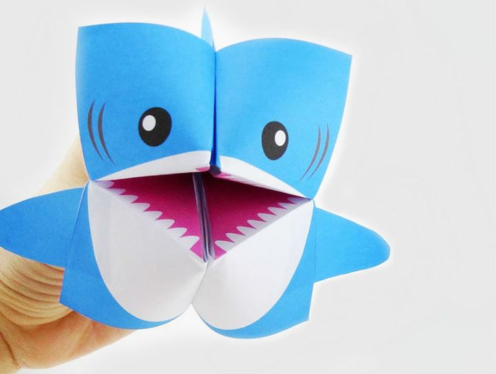 """Оригами """"акула-кусака"""" на основе бумажной """"гадалки"""""""