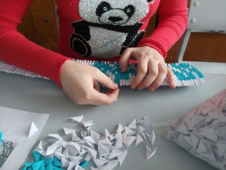 Поэтапная сборка картины из модульного оригами