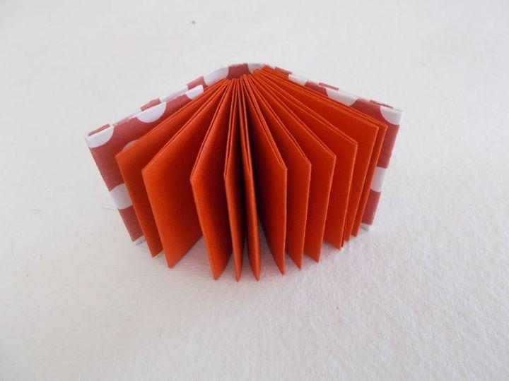 Пошаговая инструкция по сборке подарочной модели блокнота в технике оригами