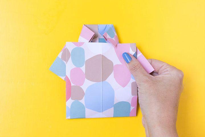 Поэтапная схема сборки оригами-открытки в виде рубашки