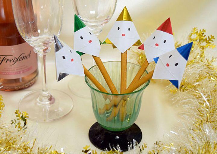 Пошаговая инструкция по сборке новогоднего наряда для бутылки в технике оригами (Дед Мороз)