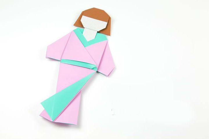 Оригами-закладка в виде куклы хина нингё