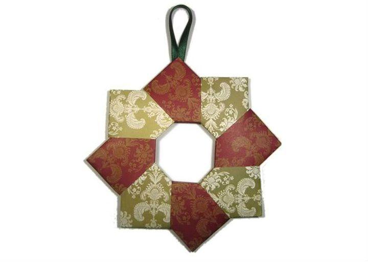 Новогодний оригами-веночек