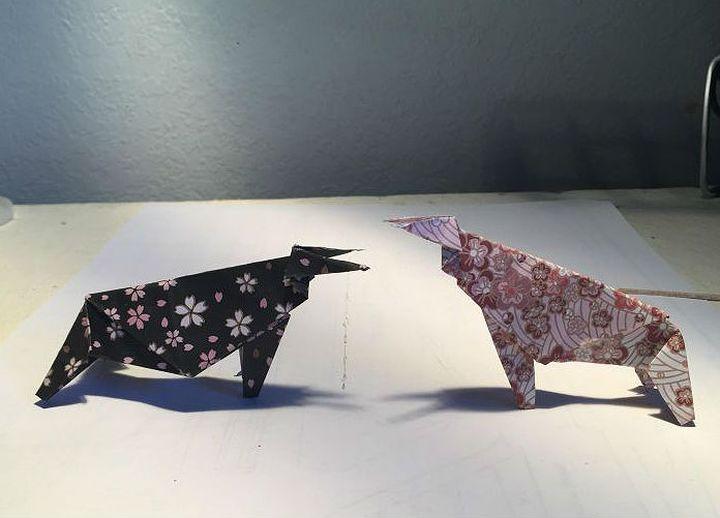 Атакующая фигура быка в технике оригами