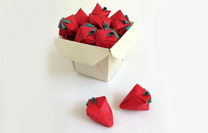 Поэтапная сборка объемной модели оригами-клубники