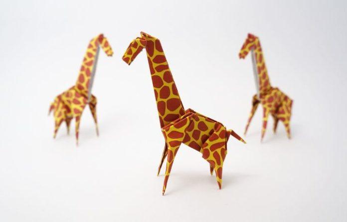 Оригами-жираф по схеме Джо Накашимы