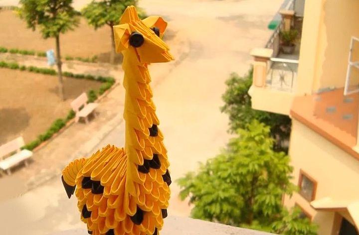 Модульный оригами-жираф