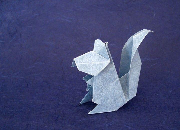 Пошаговая инструкция по сборке объемной модели оригами-белочки