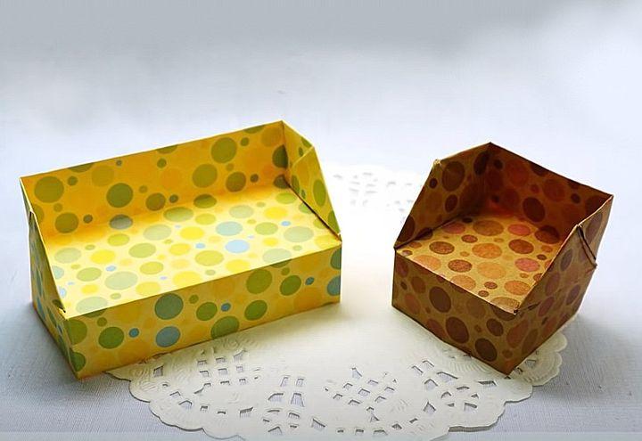 Поэтапная сборка дивана  для кукольного домика в технике оригами
