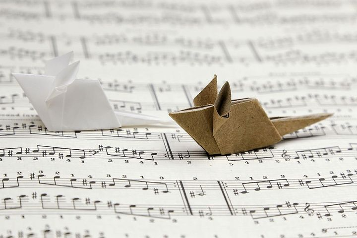 Оригами крыса из бумаги