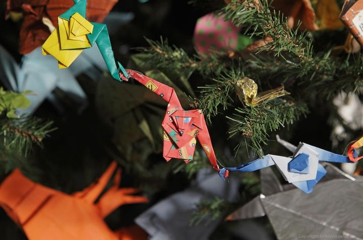 Оригами-обезьянки как декор