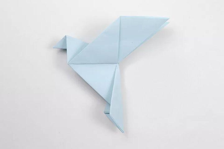 Фигурка оригами-голубя