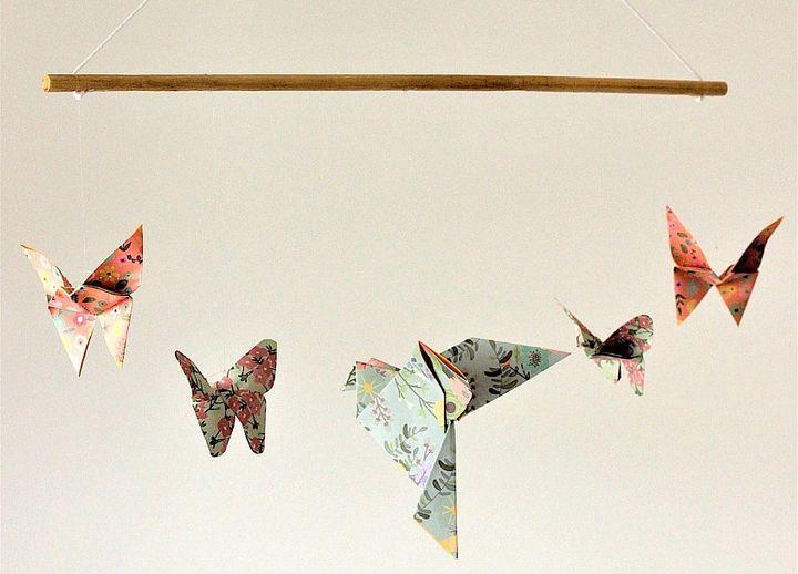 Декор в детской с бумажными оригами