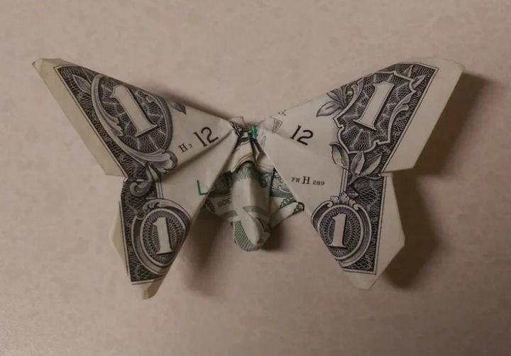 Оригами-бабочка из доллара