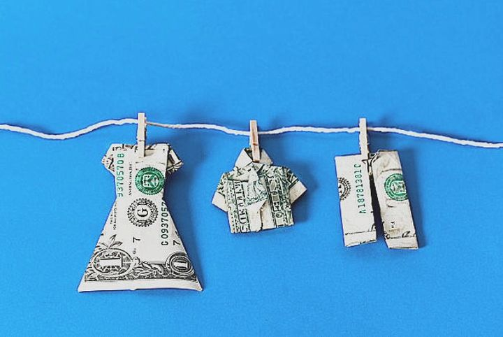 Одежда-оригами из денег
