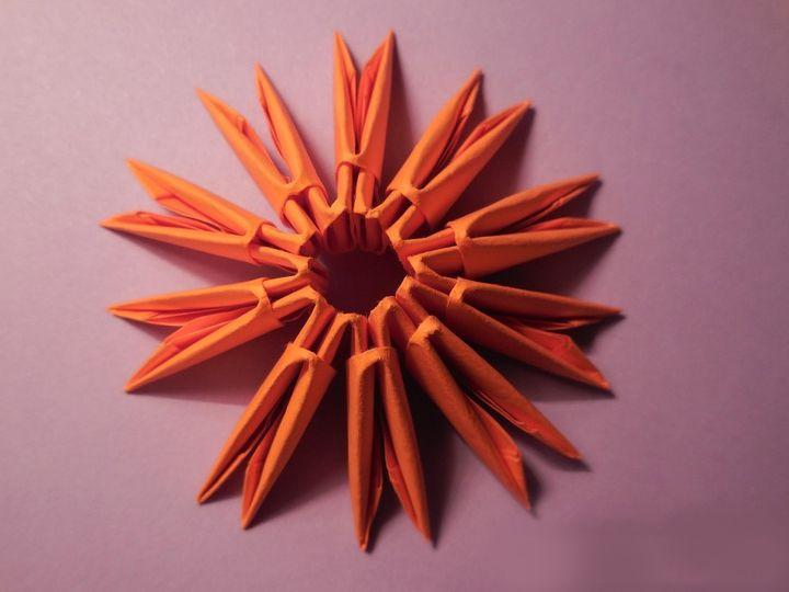 Этап сборки модульного оригами