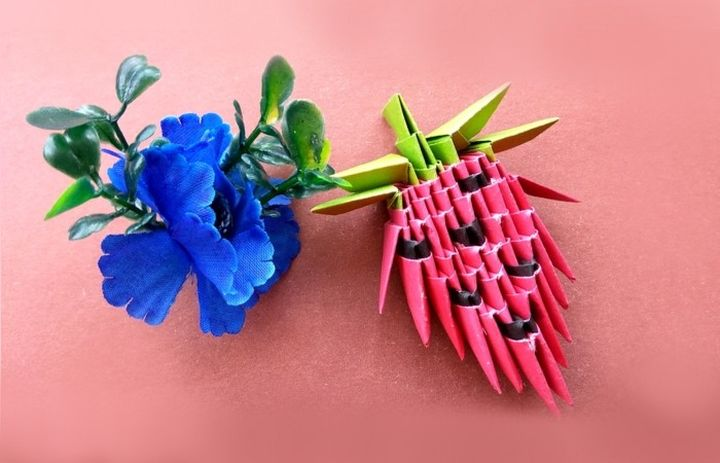 Оригами-клубника из модулей