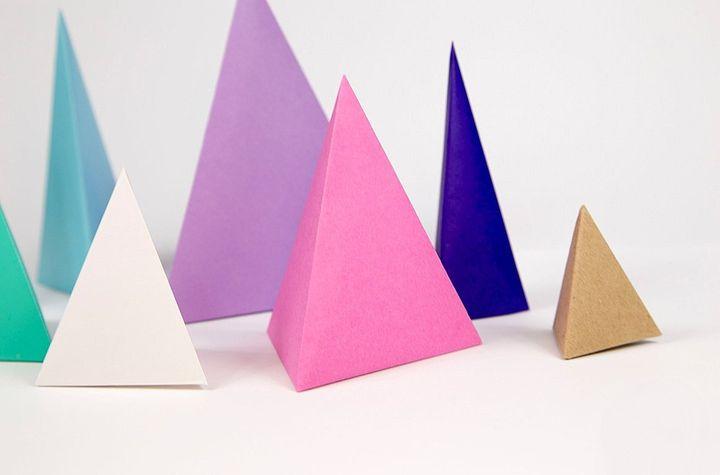 Цветные тетраэдры из картона