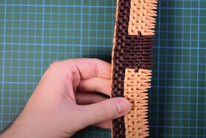 Этап сборки модульного оригами-замка