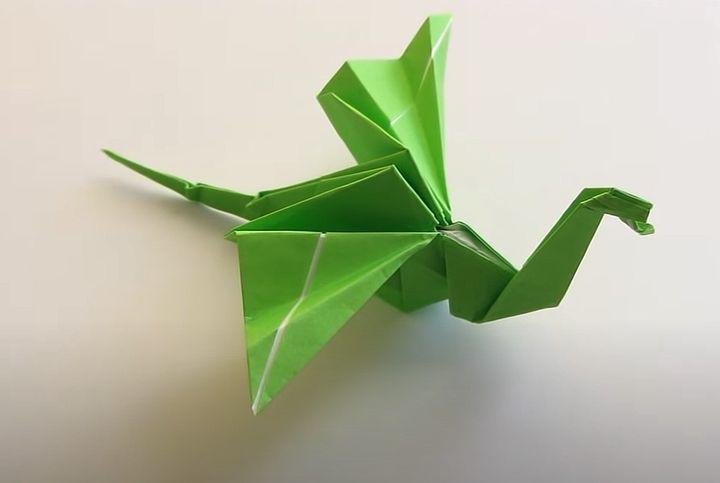 Оригами-дракон из бумаги