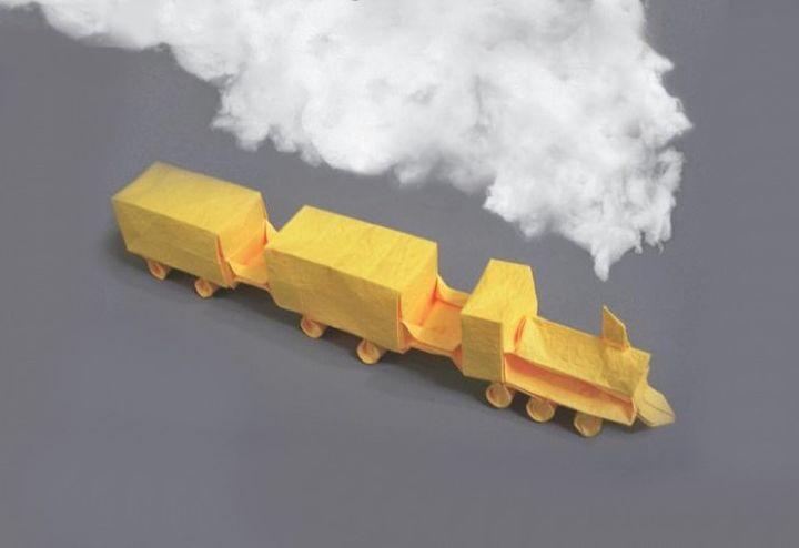 Оригами-паровозик с вагонами
