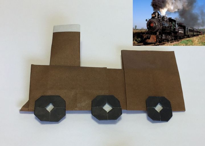 Оригами-паровоз из бумаги