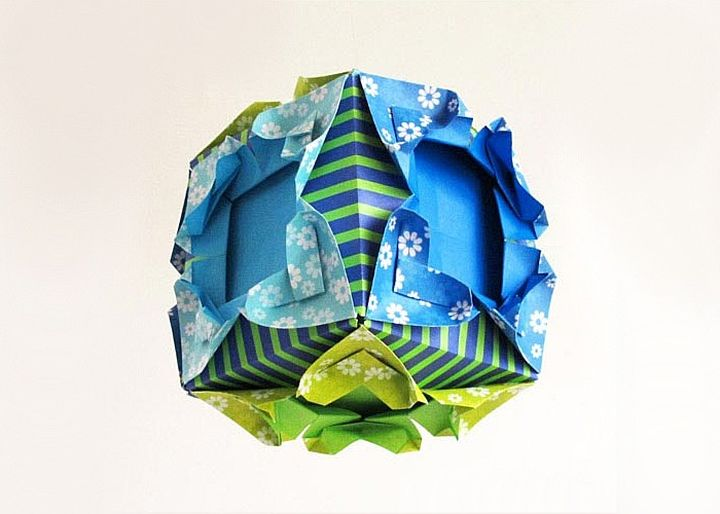 Куб из фоторамок-оригами
