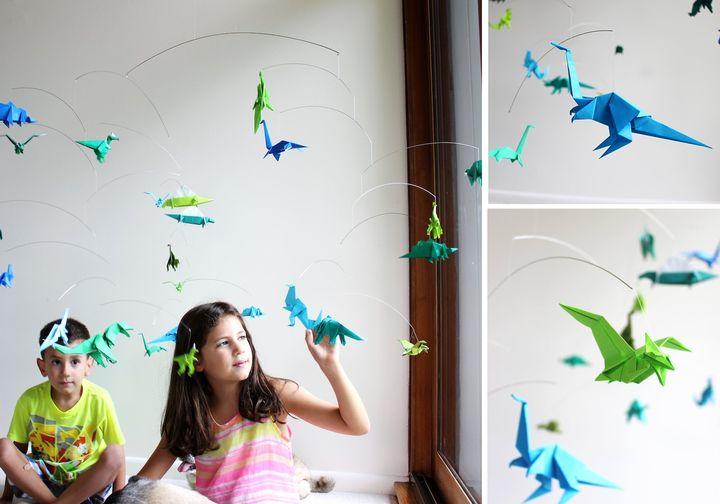 Декор с фигурками динозавров-оригами