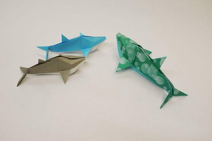 Оригами дельфины