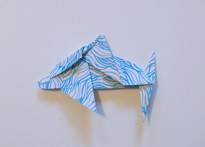 Оригами-дельфин