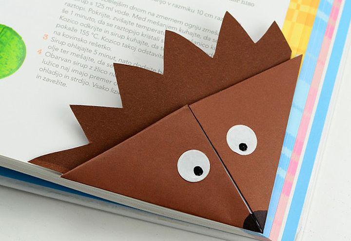 Пошаговая инструкция по сборке закладки-ежика в технике оригами
